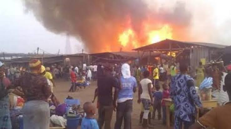Fire outbreak: Omupo Community commiserates with Olofa, victims